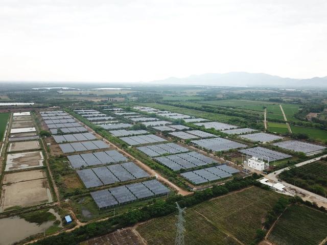 海南控股东方新龙光伏项目全容量顺利并网发电
